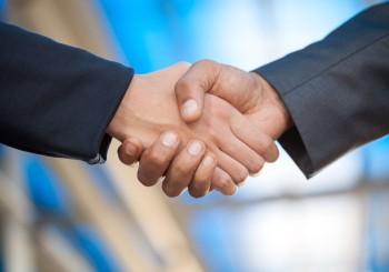 La Banque ING et le professionnel de l'assurance Axa dans une même plateforme